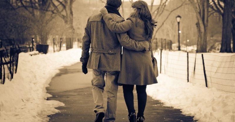 Berbalas Pantun Cinta Bersama Sahabat 40 Contoh Pantun Cinta Kasih Sayang Ruang Seni 293039